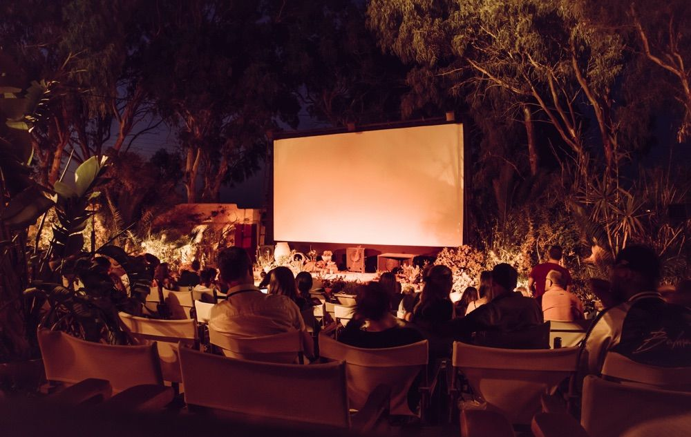 cinéma en plein air de kamari santorini